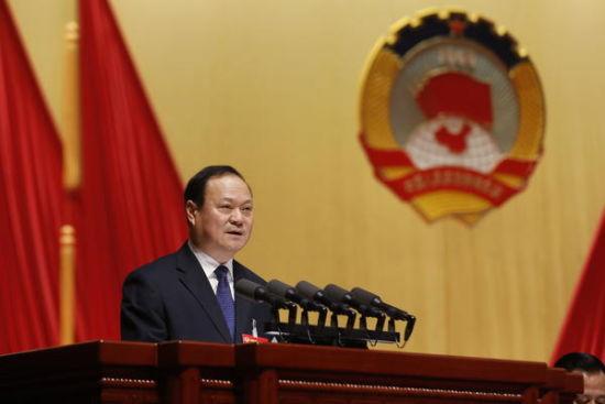 """杨炳旭委员就加快建设洛阳副中心,打造引领全省发展""""双引擎""""的发言"""