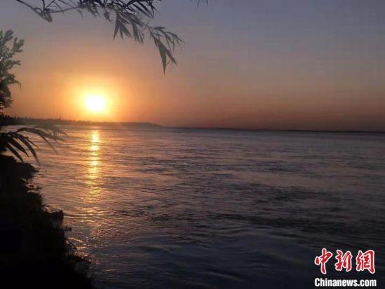 图为黄河郑州段岸边风景(资料图) 杨大勇 摄