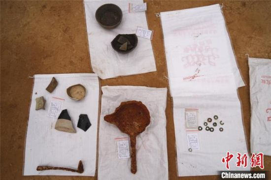 图为此次考古发掘出土的部分文物 韩章云 摄