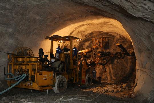 隧道开挖台车怎样设计