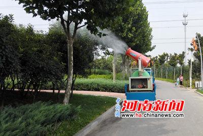 河南省环保督查组赴郑州雕塑公园开展环保宣传活动