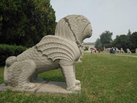 神兽爰居(yuán jū),传说中的一种海鸟,水陆空三栖动物.